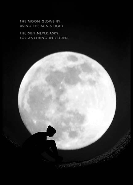 The Moon Glows Poster nel gruppo Poster / Mindfulness presso Desenio AB (10013)