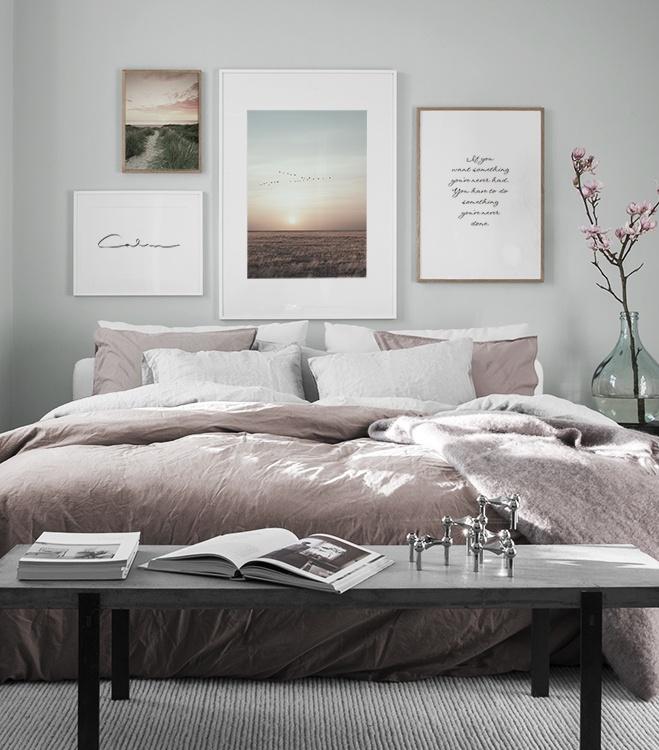 Camera da letto armoniosa con galleria a parete abbinata - Desenio.it